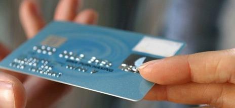 ¿Cómo solicitar una tarjeta de crédito en un banco?